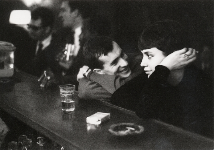 paul-almasy-couple-dans-un-bar-parisien-1960.jpg